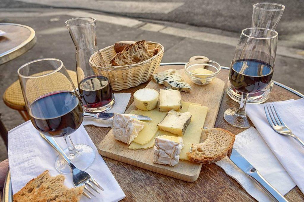 Du fromage, du fromage, du fromage chantait la grande Sophie